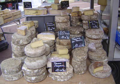Kaas op de markt in Thonon &copy, La Cucina